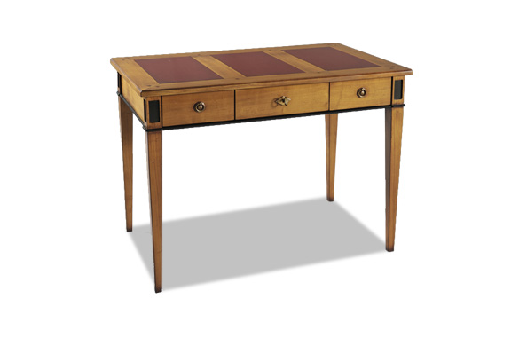 Bureau trois tiroirs merisier meubles hummel for Ameublement bureau