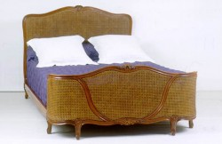 Lit Louis XV demi corbeille canne