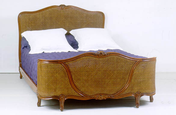 lit louis xv demi corbeille canne meubles hummel. Black Bedroom Furniture Sets. Home Design Ideas