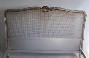 Lit Louis XV droit socle canne