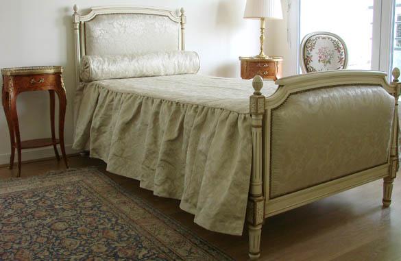 lit louis xvi en laque ivoire meubles hummel. Black Bedroom Furniture Sets. Home Design Ideas