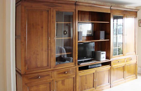 Bibliothèque living sur mesure en merisier