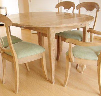 Table à volets en chêne céruse