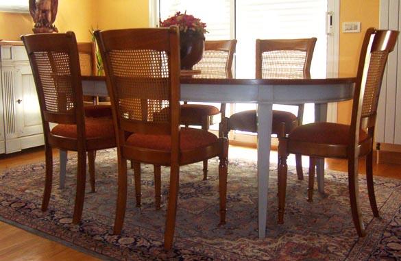 Table ovale bicolore en merisier
