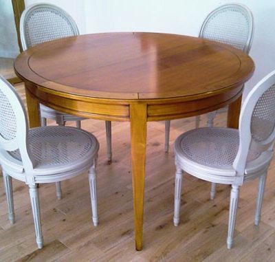 Table ronde en directoire merisier ou chêne